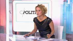 Caroline Roux dans C Politique - 11/10/15 - 081