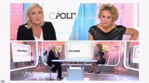 Caroline Roux dans C Politique - 11/10/15 - 083