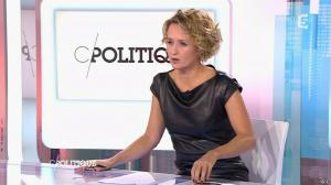 Caroline Roux dans C Politique - 11/10/15 - 086