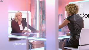 Caroline Roux dans C Politique - 11/10/15 - 099