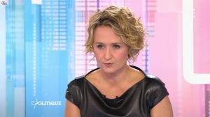 Caroline Roux dans C Politique - 11/10/15 - 110