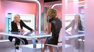 Caroline Roux dans C Politique - 11/10/15 - 130