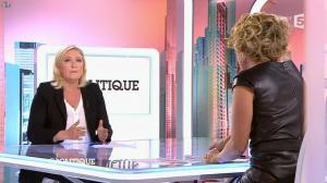 Caroline Roux dans C Politique - 11/10/15 - 132