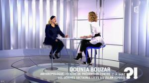 Caroline Roux dans C à Dire - 04/03/16 - 01