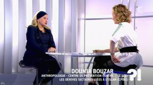 Caroline Roux dans C à Dire - 04/03/16 - 04