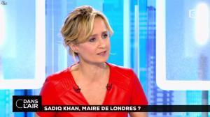 Caroline Roux dans C dans l'Air - 07/05/16 - 16