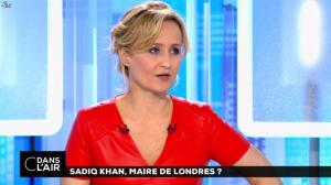Caroline Roux dans C dans l Air - 07/05/16 - 37