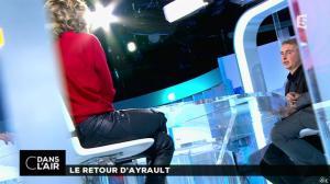 Caroline Roux dans C dans l Air - 13/11/15 - 05