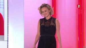 Caroline Roux dans Vivement Dimanche - 06/03/16 - 01