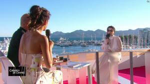 Laurie Cholewa dans Canal Plus de Cannes - 19/05/17 - 01