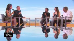 Laurie Cholewa dans Canal Plus de Cannes - 23/05/17 - 05