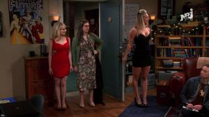 Kaley Cuoco et Mélissa Rauch dans The Big Bang Theory - 06/06/18 - 02