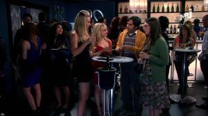 Kaley Cuoco et Mélissa Rauch dans The Big Bang Theory - 06/06/18 - 04