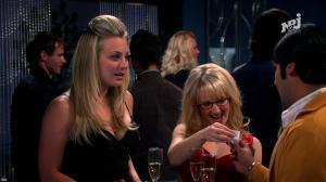 Kaley Cuoco et Mélissa Rauch dans The Big Bang Theory - 25/08/18 - 03