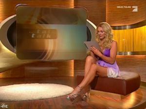 Sonya Kraus dans Talk Talk Talk - 15/01/11 - 1
