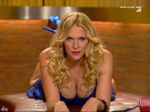 Sonya-Kraus--Talk-Talk-Talk--20-11-10--4