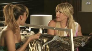 Belen Rodriguez et Alessia Marcuzzi dans Cosi Fan Tutte - 06/11/11 - 01