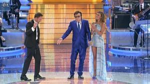 Belen Rodriguez et Ciak dans Si Canta - 29/04/11 - 07