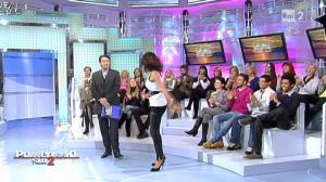Caterina Balivo dans Pomeriggio Sul Due - 05/11/10 - 02