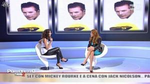 Caterina Balivo dans Pomeriggio Sul Due - 05/11/10 - 09