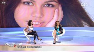 Caterina Balivo dans Pomeriggio Sul Due - 05/11/10 - 19