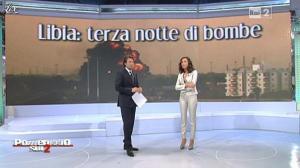 Caterina Balivo dans Pomeriggio Sul Due - 22/03/11 - 02