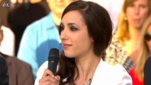 Elise Chassaing dans le Grand Journal de Canal Plus - 18/05/12 - 02