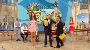 Laura Barriales et Arianna Rendina dans Mezzogiorno in Famiglia - 12/05/13 - 03