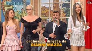 Laura Barriales et Arianna Rendina dans Mezzogiorno in Famiglia - 19/05/13 - 01