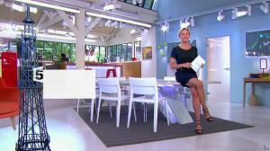 Anne-Sophie Lapix dans C à Vous - 14/05/14 - 01
