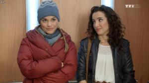 Joy Esther et Isabelle Vitari dans Nos Chers Voisins - 25/12/15 - 03