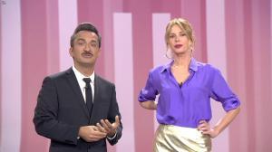 Alessia Marcuzzi dans le Iene - 30/04/19 - 06