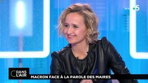 Caroline Roux dans C dans l'Air - 15/01/19 - 05