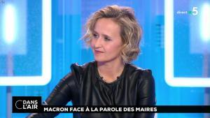 Caroline Roux dans C dans l'Air - 15/01/19 - 08