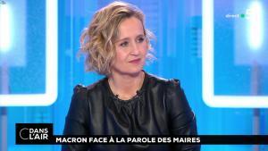 Caroline Roux dans C dans l'Air - 15/01/19 - 10