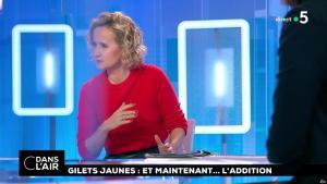 Caroline Roux dans C dans l'Air - 18/12/18 - 01