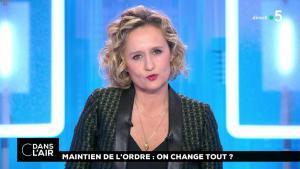 Caroline Roux dans C dans l'Air - 23/01/19 - 01