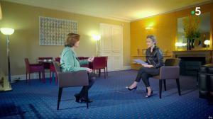 Caroline Roux dans C dans l'Air Special - 19/03/19 - 11
