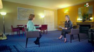 Caroline Roux dans C dans l'Air Special - 19/03/19 - 13