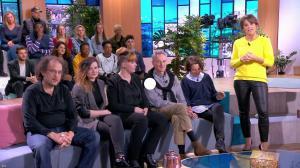Faustine Bollaert dans Ça Commence Aujourd'hui - 12/03/19 - 01
