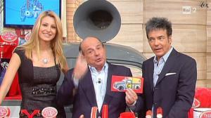 Adriana Volpe dans I Fatti Vostri - 02/11/10 - 4