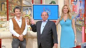 Adriana Volpe dans I Fatti Vostri - 07/04/11 - 3
