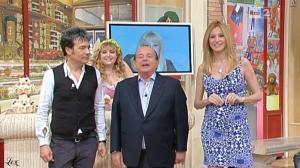 Adriana Volpe dans I Fatti Vostri - 12/04/11 - 4
