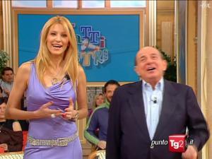 Adriana Volpe dans I Fatti Vostri - 16/02/10 - 1