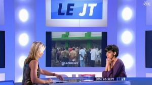 Anne-Sophie Lapix dans Dimanche Plus - 26/09/10 - 4