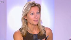 Anne-Sophie Lapix dans Dimanche Plus - 26/09/10 - 6