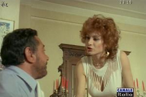 Carmen-Russo--Mia-Moglie-Torna-A-Scuola--05-10-09--1