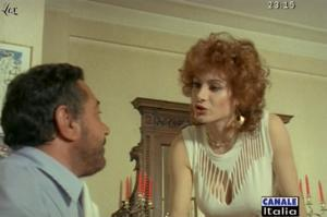 Carmen Russo dans Mia Moglie Torna à Scuola - 05/10/09 - 1