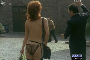 Carmen Russo dans Mia Moglie Torna à Scuola - 05/10/09 - 3