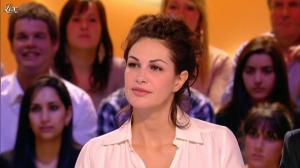 Héléna Noguerra dans le Grand Journal de Canal Plus - 24/02/12 - 04